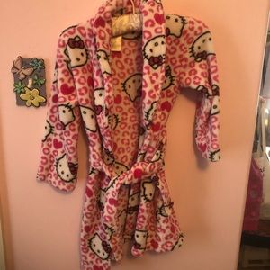 Hello Kitty Robe - Soft and fluffy!